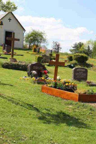 Friedhof_Oelsa1-72+640